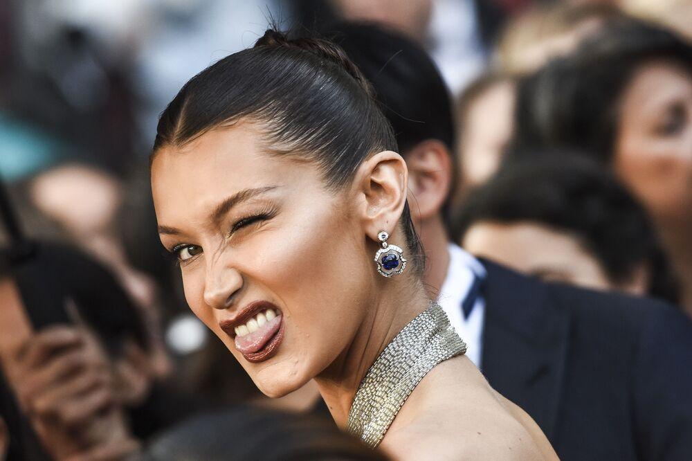 عارضة الأزياء بيلا حديد خلال الحفل الـ 71 لمهرجان كان السينمائي