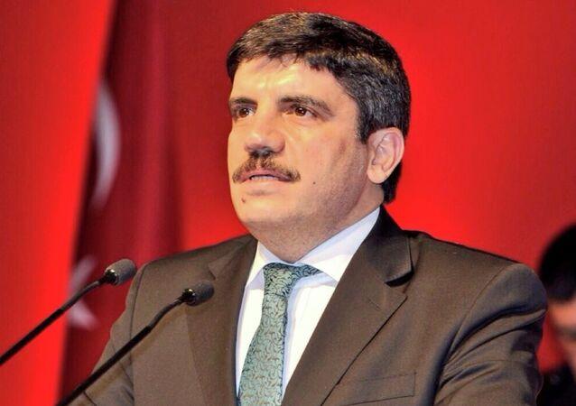 مستشار الرئيس التركي ياسين أقطاي