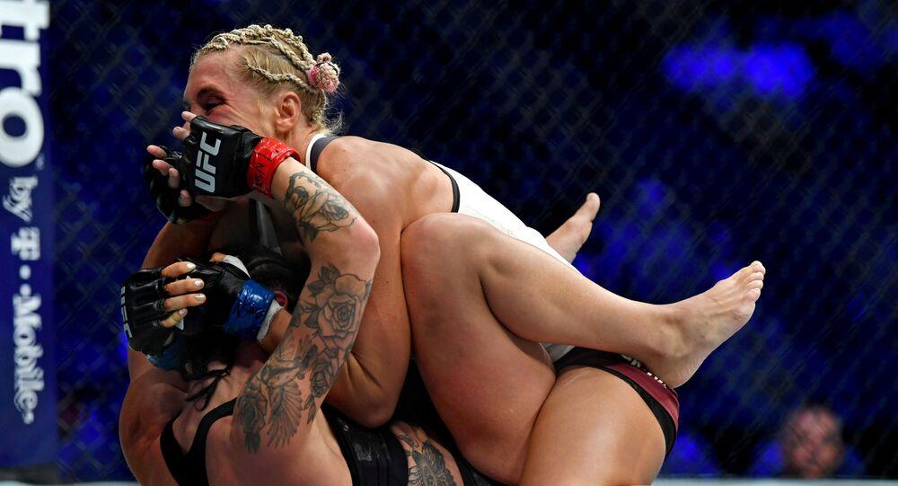 بطولة الفنون القتالية المختلطة للنساء (UFC 229) في لوس أنجلوس، 6 أكتوبر/ تشرين الأ,ل 2018