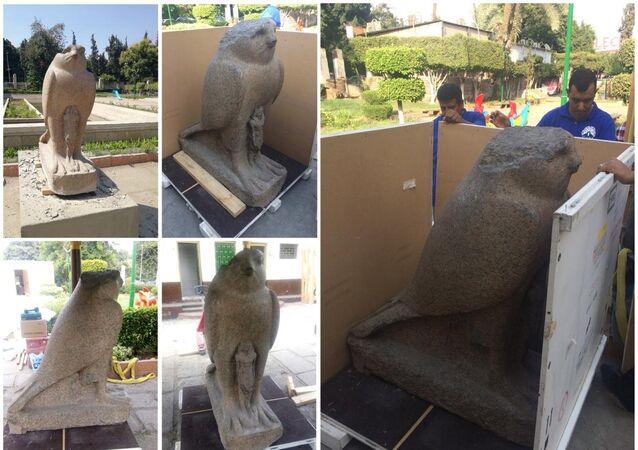 تمثال الإله حورس الفرعوني