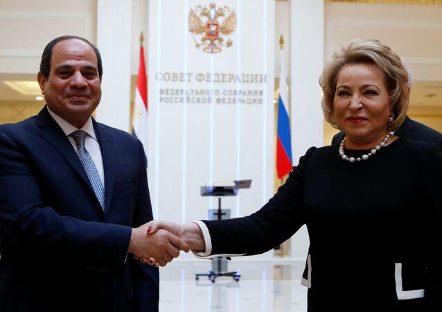 الرئيس المصري عبدالفتاح السيسي يلتقي برئيسة المجلس الفيدرالي الروسي فالنتينا ماتفيينكو، في الدوما الروسية، في موسكو، 16 أكتوبر/ تشرين الأول 2018