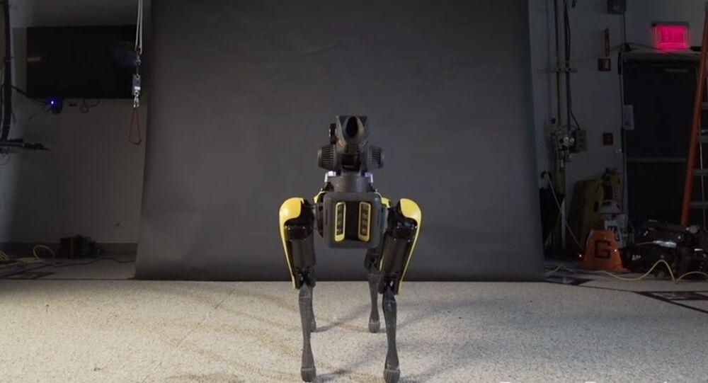بالفيديو..روبوت يرقص على أنغام أغنية أمريكية والبعض يتنبأ بنهاية الانسانية