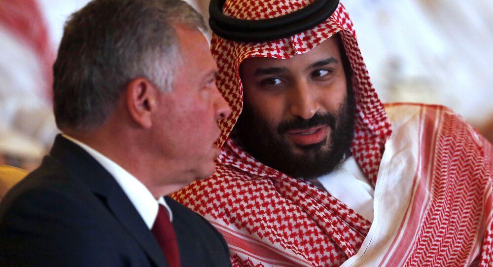 ملك الأردن عبدالله الثاني ولي العهد السعودي محمد بن سلمان، في مؤتمر مبادرة الاستثمار المستقبلي في الرياض، 23 أكتوبر/ تشرين الأول 2018