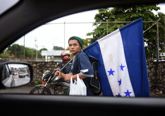 قافلة من المهاجرين من هندوراس، يتجهون إلى حدود الولايات المتحدة الأمريكية   18 أكتوبر/ تشرين الأول 2018