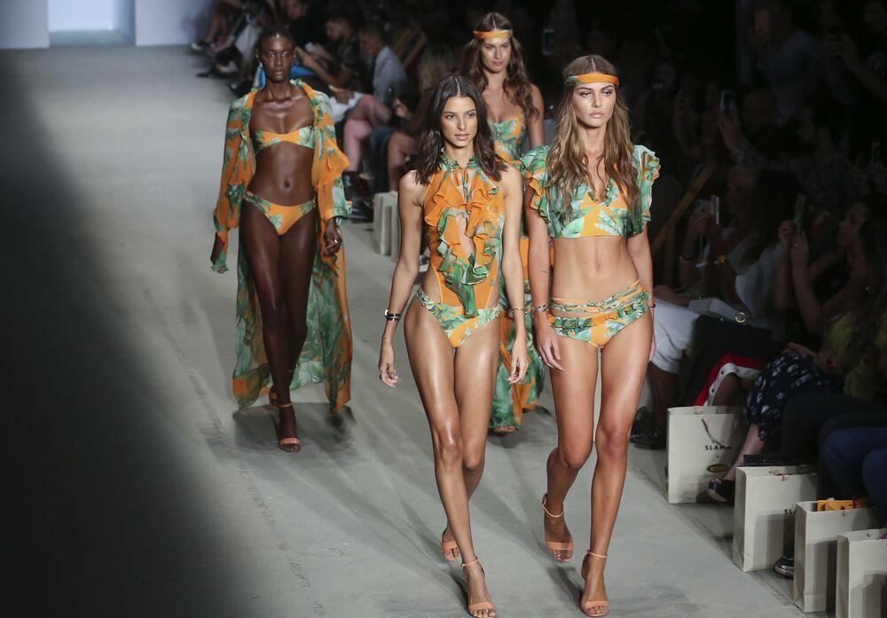 تقديم مجموعة تصاميم من أمير سلامة خلال أسبوع الموضة في سان-باولو، البرازيل 23 أكتوبر/ تشرين الأول 2018