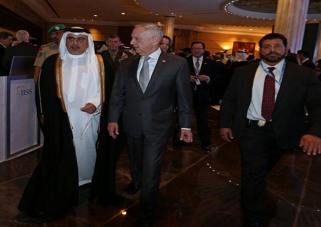 وزير الدفاع الأمريكي جيم ماتيس أثناء زيارته إلى البحرين