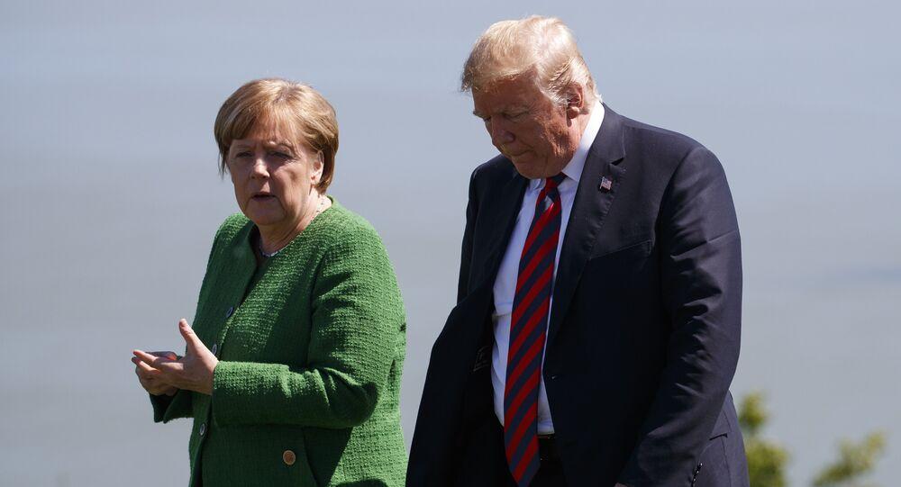 المستشارة الألمانية أنجيلا ميركل تلتقي بالرئيس الأمريكي دونالد ترامب في برشارلوفوا، كندا 8 يونيو/ حزيران 2018