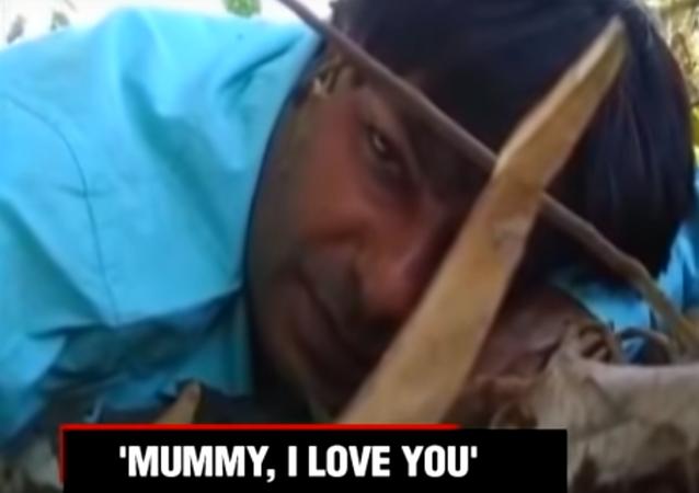 صحفي يوجه رسالة وداع لأمه