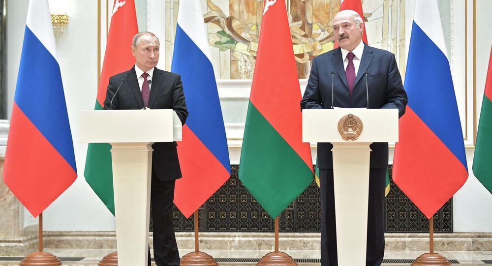 الرئيس البيلاروسي ألكسندر لوكاشينكو و الرئيس الروسي فلاديمير بوتين