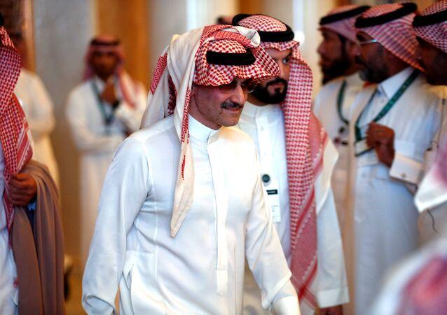 الملياردير السعودي الأمير الوليد بن طلال يحضر مؤتمر الاستثمار في الرياض