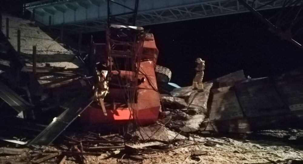 انهيار جسر كان قيد الترميم في سيبيريا