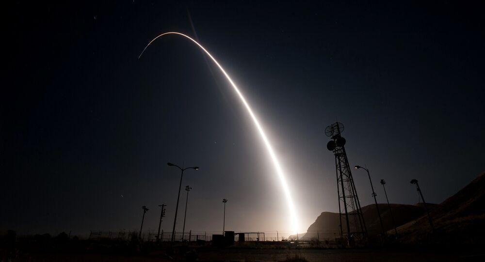 اختبار صاروخ Minuteman III الأمريكي