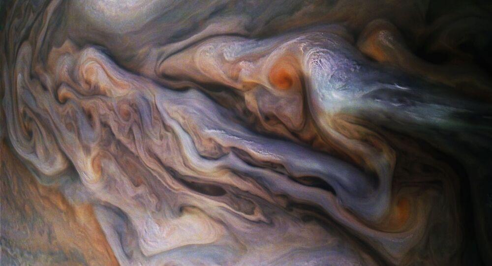 غيوم معقدة الأشكال لكوكب المشتري