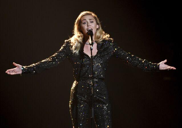 المغنية مايلي سايرز