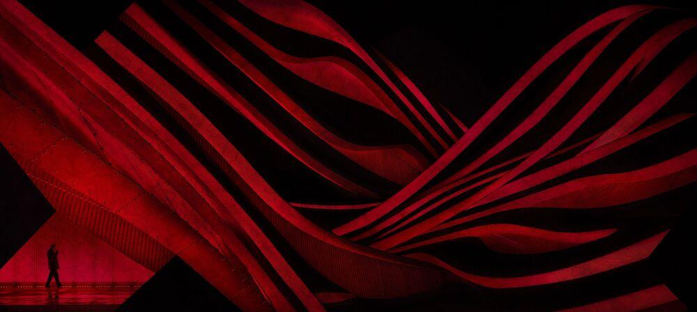 صورة بعنوان شرائط من اللون الأحمر، للمصورة ليزا سعد، مرشحة لقائمة توب-50 في فئة بيئة البناء المفتوح