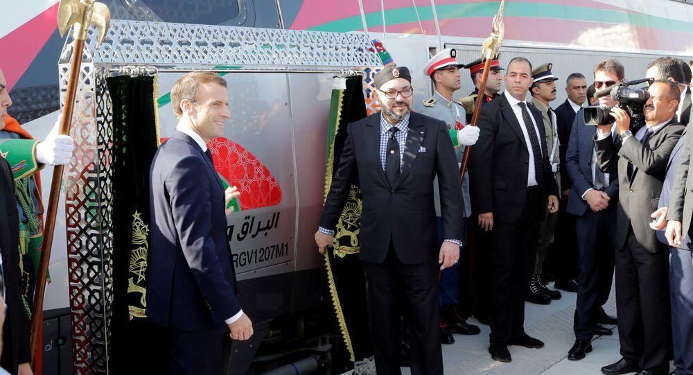الرئيس الفرنسي إيمانويل ماكرون والملك المغربي محمد السادس يحضران حفل إطلاق أول قطار عالي السرعة للعمل في إفريقيا بطنجة
