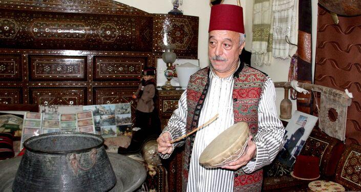 دمشقي يعشق الأنتيكا يحوّل بيته التراثي إلى متحف مجاني