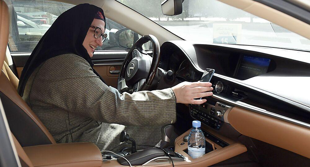 قيادة المرأة السعودية لسيارات الأجرة