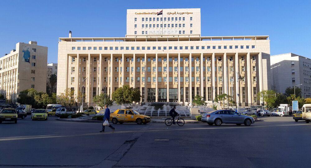 المركزي السوري يرفع سعر صرف الدولار واليورو بفارق كبير خلال يوم واحد فقط -  Sputnik Arabic