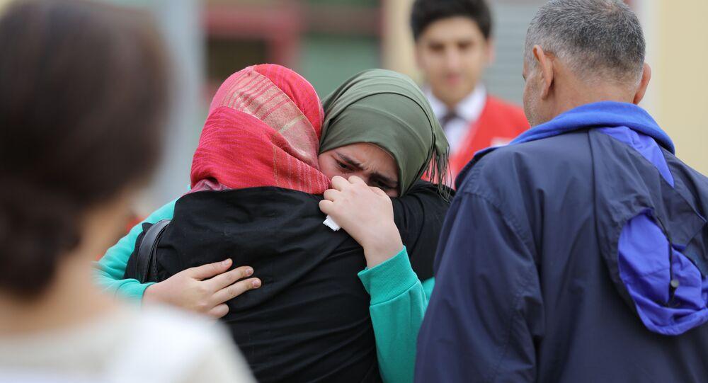 بعد فقدانها بتفجير الراشدين في حلب... إيلاف تعود من تركيا لأحضان والديها