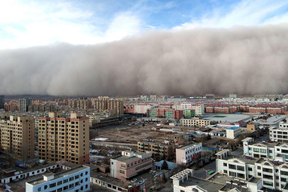 عاصفة ترابية في غانسو، الصين