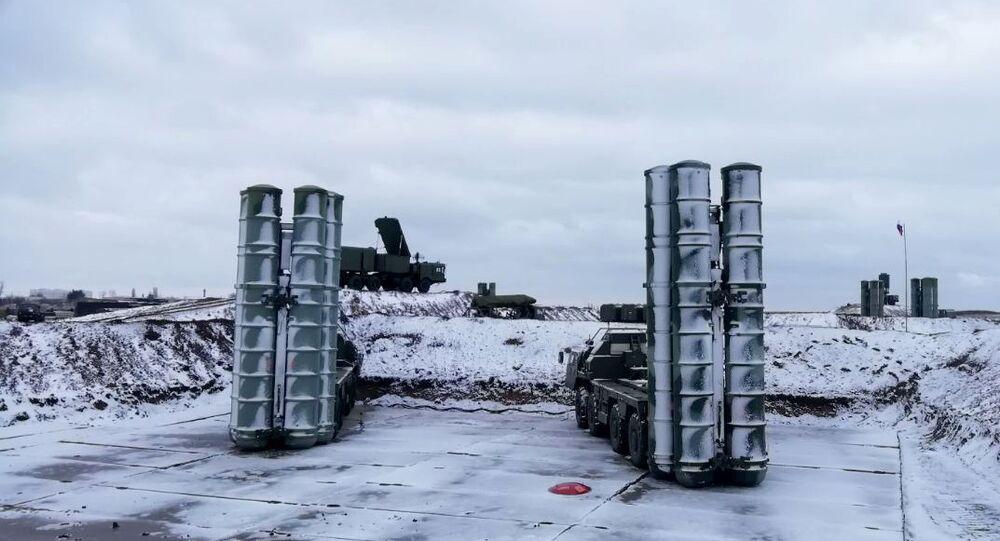 منظومات صواريخ إس-400 في القرم