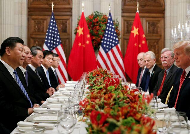 قمة مجموعة العشرين في بوينس آيرس، الأرجنتين، 1 ديسمبر/ كانون الأول 2019 - الرئيس دونالد ترامب والرئيس شي جين بينغ خلال المحادثات على هامش قمة G20