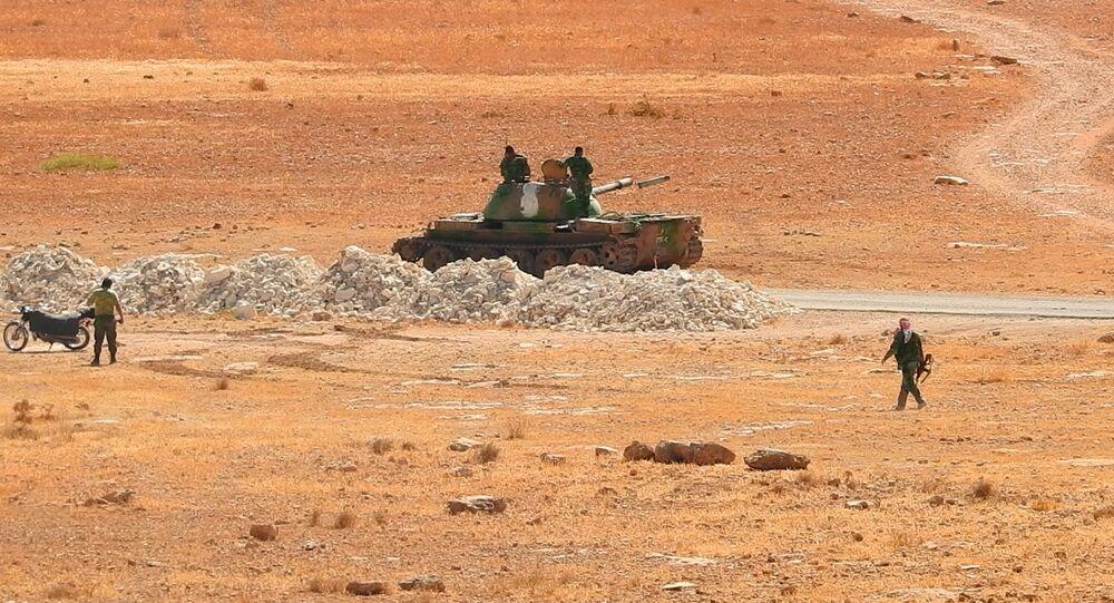 الجيش السوري ... فرار قياديين من النصرة والخوذ البيضاء إلى تركيا بمساعدة الجندرما