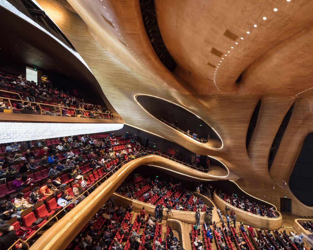 صورة لدار الأوبرا الصينية في هاربن، للمصور باول بانيتشكو، الفائزة في فئة بورتفوليو بالمسابقة