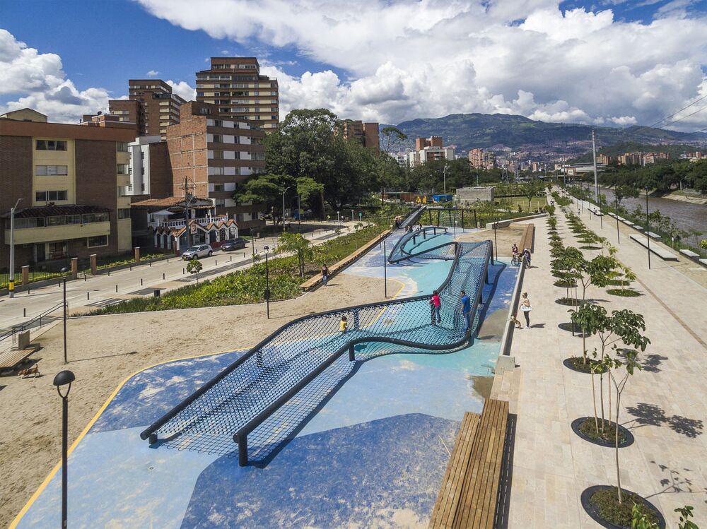 مشروع معماري لـ حدائق بالقرب من نهر في كولومبيا، الذي فاز في فئة أفضل مشاريع المستقبل لعام 2018