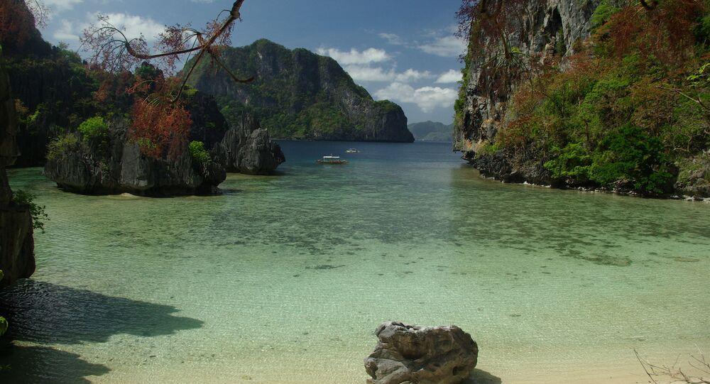 شاطئ إل نيدو في الفلبين