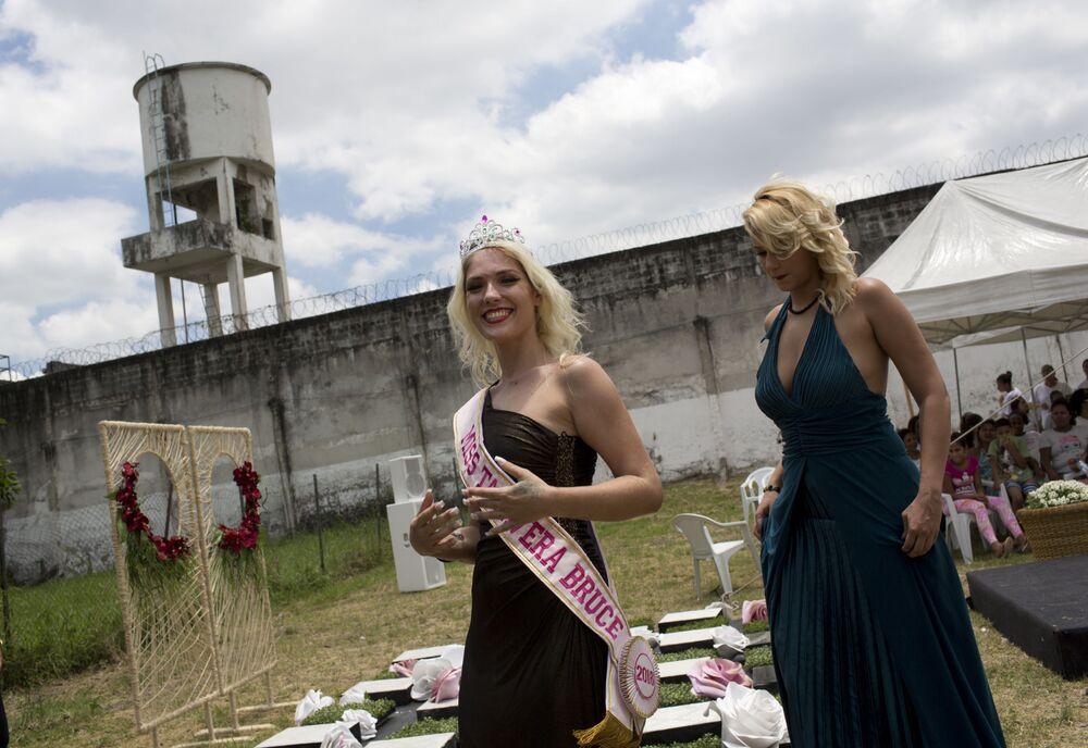الفائزة، فيرونيكا فيرونيه، في مسابقة ملكة جمال السجون تالافيرا بريوس في البرازيل، 4 ديسمبر/ كانون الأول 2018