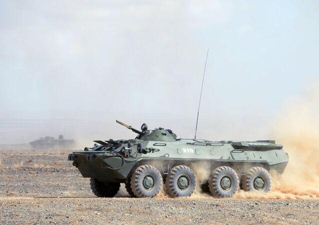 ناقلة الجنود المدرعة بي تي إر-70