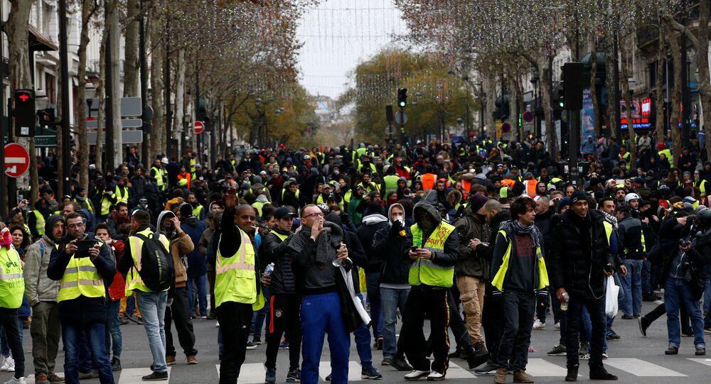 احتجاجات السترات الصفراء في باريس