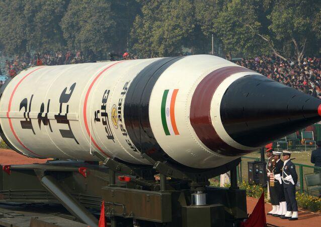 الصاروخ البالستي العابر للقارات آغني-5 القادر على حمل رؤوس حربية نووية