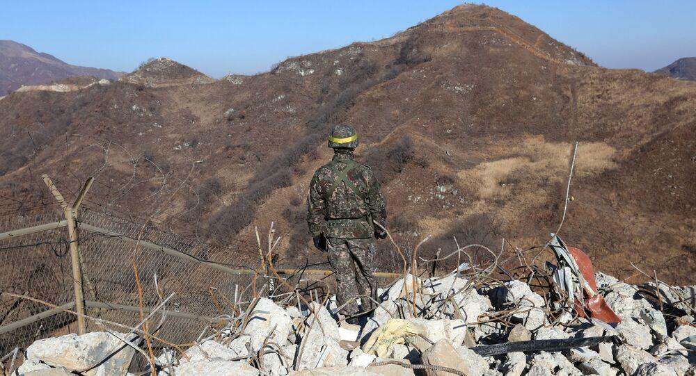 الحدود بين كوريا الجنوبية و كوريا الشمالية - الجنود - الجيش الكوري الجنوبي، 12 ديسمبر/ كانون الأول 2018