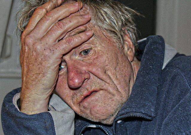 مرض الزهايمر لرجل مسن
