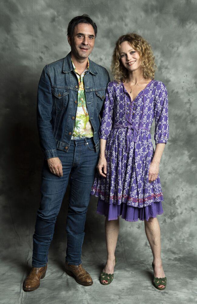الممثل والكاتب والمنتج الفرنسي صمويل بينشيتريت والممثلة فانيسا بارادي، 23 أبريل/ نيسان 2018