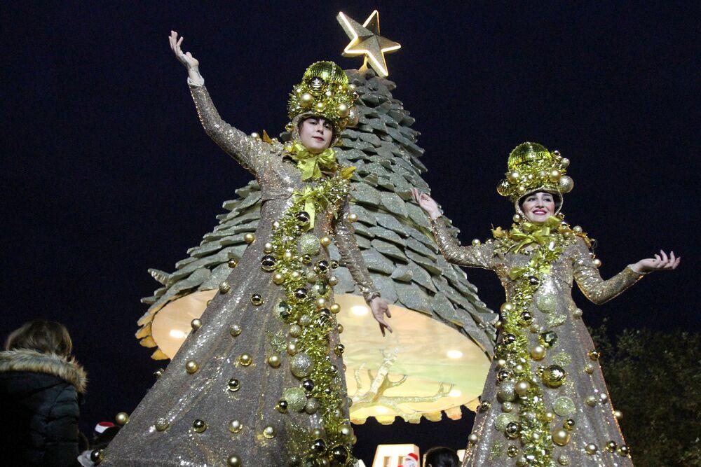 شجرة عيد الميلاد في مدينة زغرتا، لبنان 8 ديسمبر/ كانون الأول 2018