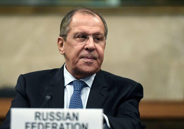 وزير الخارجية الروسية سيرغي لافروف خلال اجتماع الدول الضامنة في جنيف