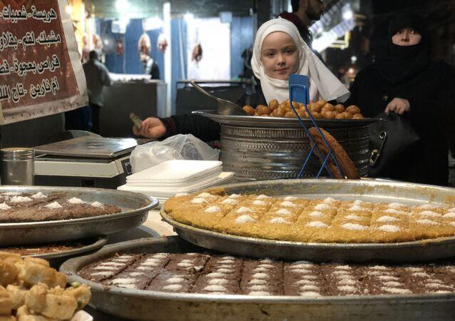 مناظر عامة للمدن العربية - سوق، ميدان، حلب، سوريا