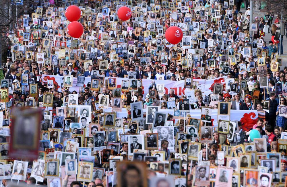 مسيرة الفوج الخالد في مدينة قازان الروسية
