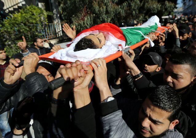 تشييع جثمان صبي فلسطيني