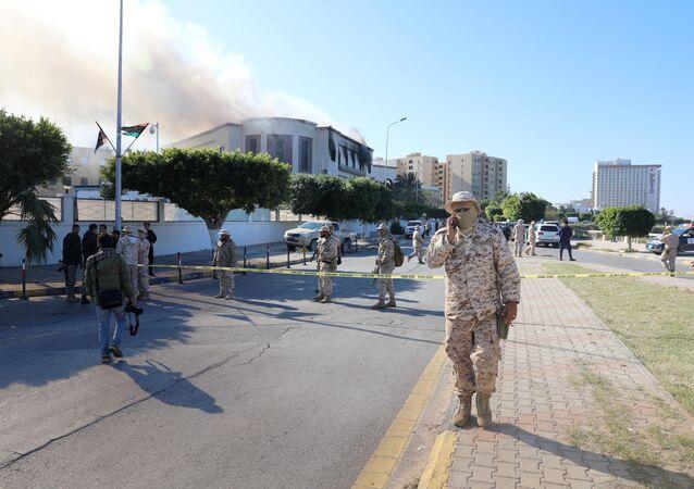 تفجير مقر وزارة الخارجية الليبية في طرابلس