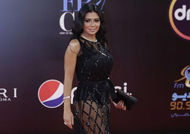 الممثلة المصرية رانيا يوسف في حفل ختام مهرجان القاهرة السينمائي الدولي الـ 40، 29 نوفمبر/تشرين الثاني 2018