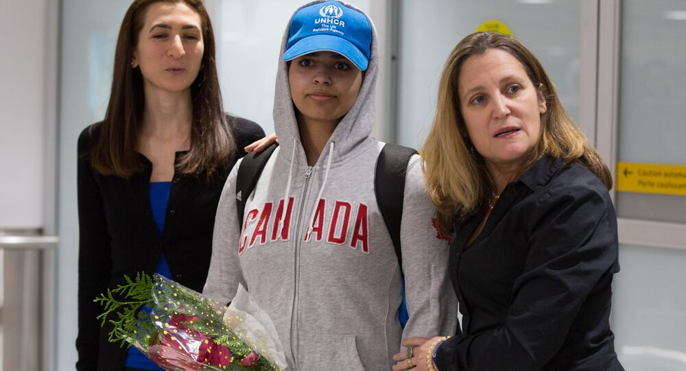وزيرة الخارجية الكندية، كريستيا فريلاند، تستقبل الشابة السعودية رهف القنون
