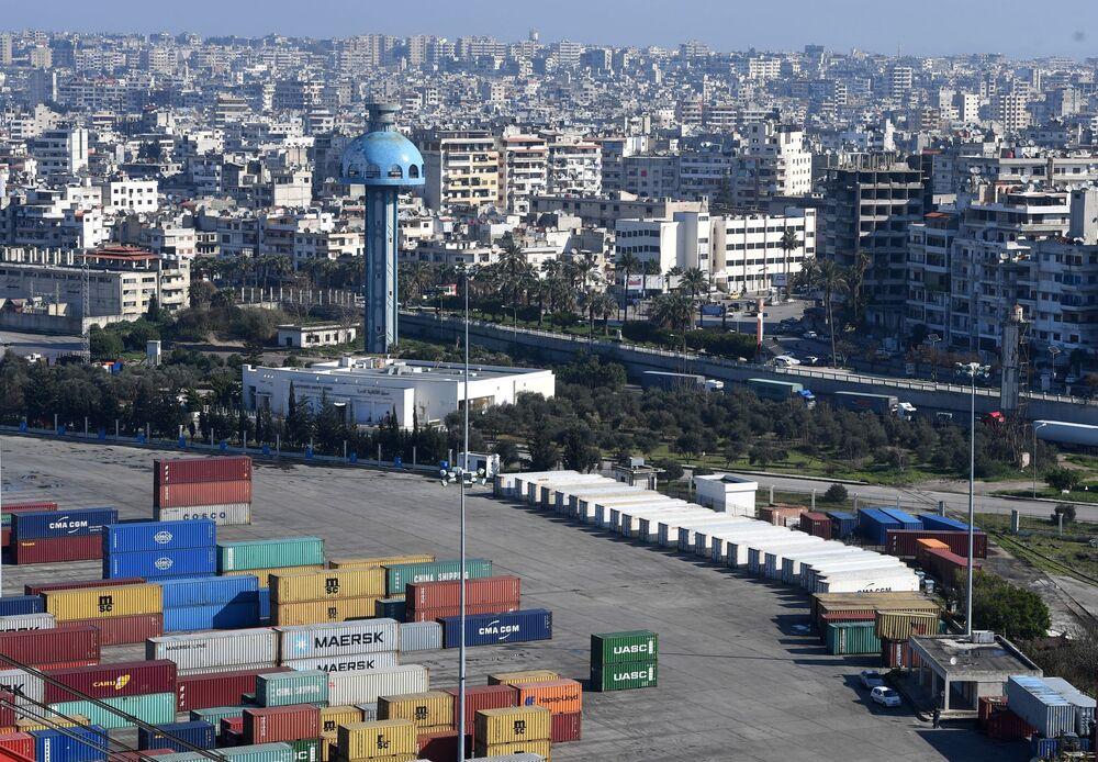 ميناء اللاذقية و جزء من المدينة