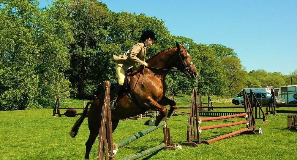 راكبة أحصنة