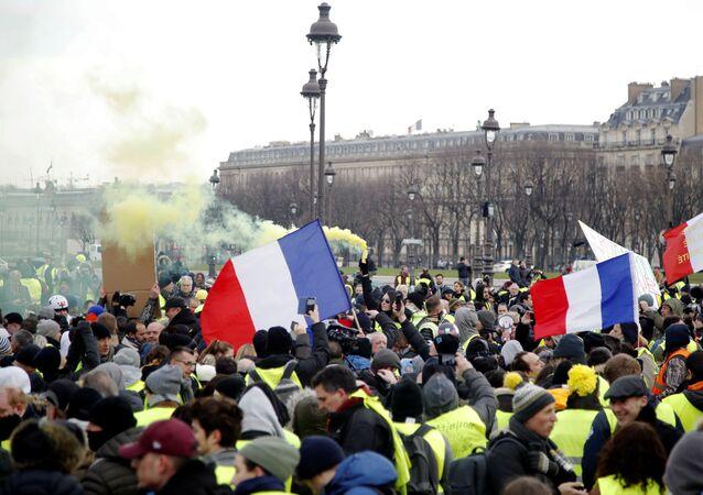 متظاهرو السترات الصفراء