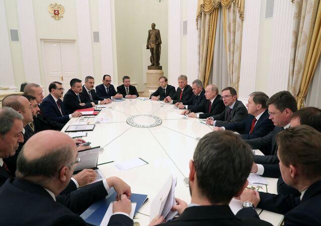 جلسة محادثات الرئيس الروسي مع نظيره التركي في موسكو